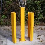 Schranke Auflagepfosten und Rammschutz aus Vierkantstahlrohr und U-Stahl verzinkt und Farbbeschichtet für eine Schrankenanlage vergößert